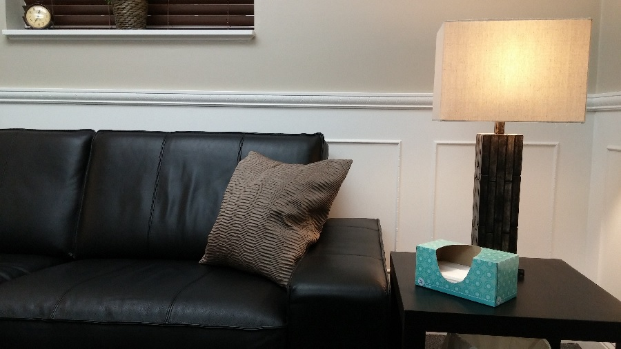 couch-clock-and-tissues