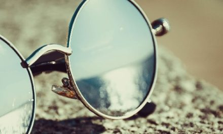 Mirrors in Psychotherapy